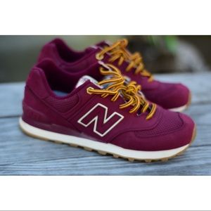 New balance 574 never worn with out box ! Size 7!